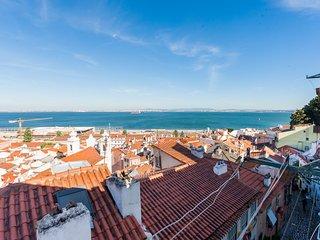 Lisbon Roofs Apartment