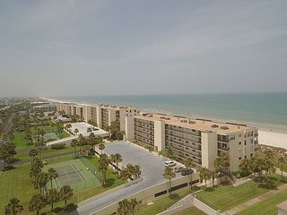 Sand Dollar 205, Ocean Front Luxury Condo - 2 Week Minimum