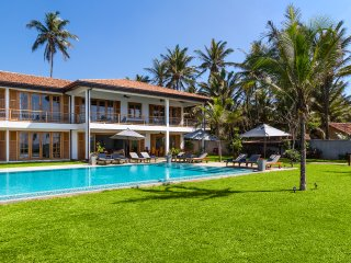 The Boat House Dikwella - fully staffed beach front villa with extra large pool
