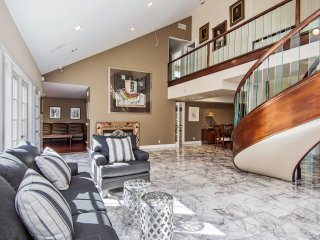Spacious 5bd/5.5ba in Studio City