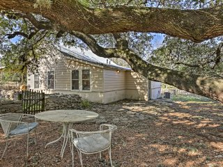 Renovated Bulverde Cottage on Farm w/On-site Pool!