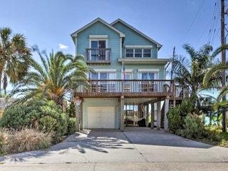 NEW! 3BR Isla Del Sol Home 1/2mi from the Beach!