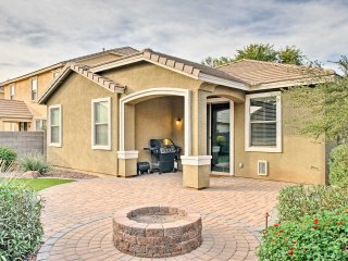 Spacious Gilbert Family Home w/Yard - Dog Friendly