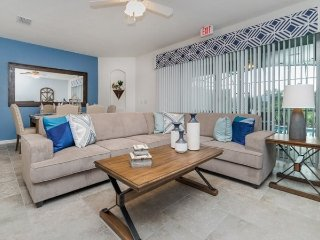 4711TD. Solterra Resort 4 Bed 3.5 Bath Townhome With Splash Pool