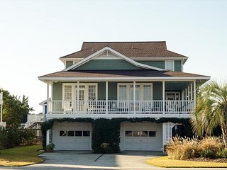Beautiful 5 Bedroom 4.5 bath Oceanside single family home.
