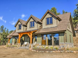 Hillside Pine Home on 12.6 Acres w/Mountain Views!