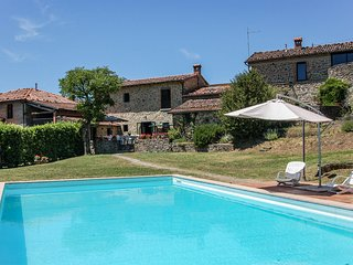 Villa with private pool 60 kms from Lucca and sea