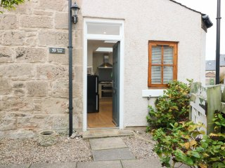 59 SOCIETY STREET, beach nearby, woodburning stove, centre of Nairn, Ref 962218