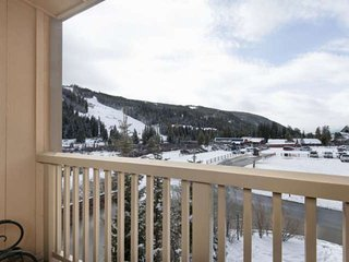 1 Minute Walk To Gondola! VIEWS FROM EVERY ROOM, Year-Round Pool/Hot Tub, Master