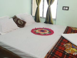 third need guest house - '4', holiday rental in Chandannagar