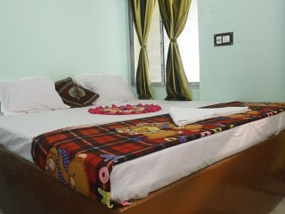 third need guest house - '8', holiday rental in Chandannagar