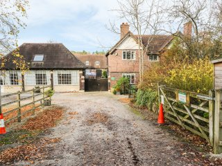 THE COACH HOUSE, WIFI, countryside views, Ref. 947168