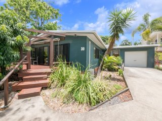 Ultimate Beach Shack  - Bryce Street 30, Moffat Beach