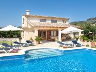 Villa Beata para 8 huéspedes, ¡a sólo 1 km del casco histórico de Pollensa!