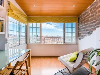 Comfortable 3 bedroom amazing views over Barcelona