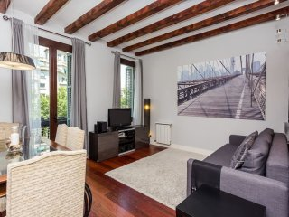 Charming 3 Bed Apartment in the City Center