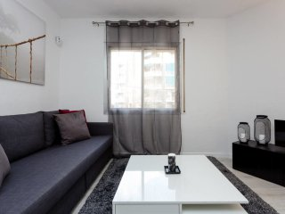 Modern and charming 3bed close to Torrassa Metro