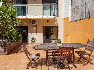 Big 2bed with terrace close to Sagrada Familia