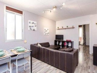 Renovated flat, just few minutes from Las Ramblas!