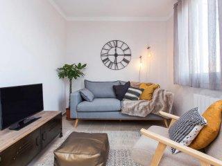 Elegant and luminous penthouse w/ terrace Fira BCN