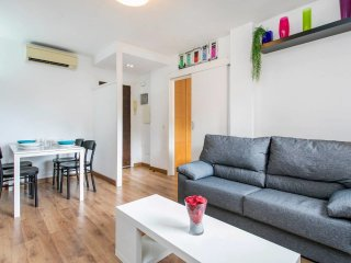 Cool 2 Bed Apt, 5 min from La Sagrada Familia