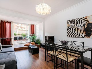 Cool 3bed flat with terrace in Eixample