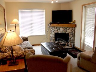2 Bedroom Condo at Creekside Condos, Silver Star Mountain