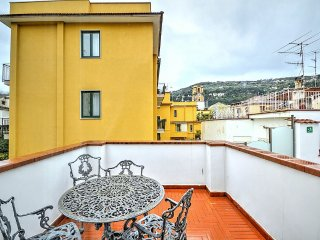 2 bedroom Apartment in Sorrento, Campania, Italy : ref 5228615