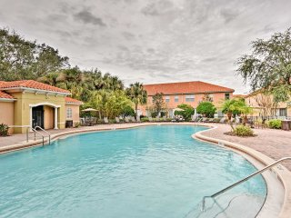 NEW! 4BR Townhome w/ Comm. Pool - Mins. to Disney!