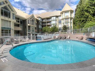 2 Bedroom Condo with Private Balcony + Fireplace   Pool, Gym + Hot Tub