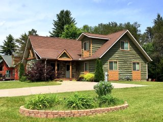 Loose Moose at Spring Brook Resort | Ideal Family Getaway | Close to Clubhouse