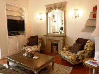 Beautifully decorated two bedroom apartment in the heart of Cannes. Five
