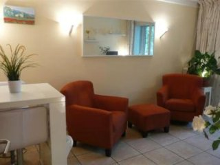 One bedroom apartment in center of Cannes, 10 min walk from the Palais.