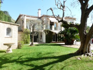 A lovely large Villa with a big swimming pool and gardens in a calm area of