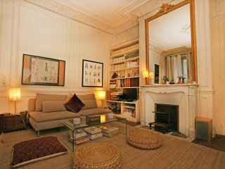 Large 2 Bedroom Latin Quarter (338)