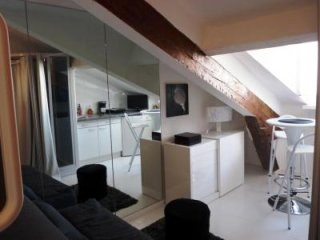 Forville Attic, Affordable Studio in Cannes