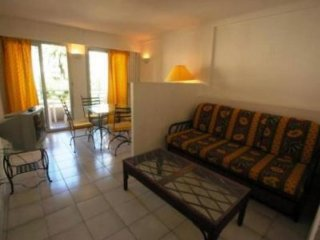 One bedroom apartment with a balcony in centre of Cannes.