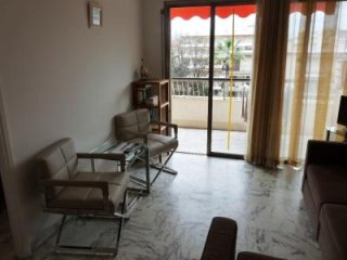 Air-conditioned one bedroom apartment in Cannes near the beach and Palais.