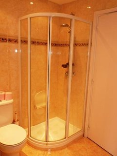 a look at the shower cubicle