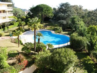 Two bedroom accommodation in Cannes with great views walking distance from the