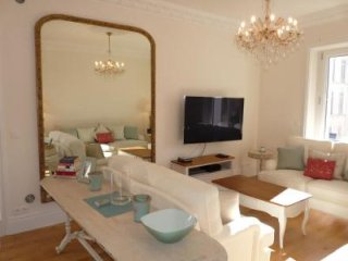 Three bedroom apartment in Cannes with air con and terrace