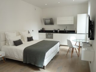 High quality studio in the heart of Cannes, 5 star hotel suite standard, 9 min