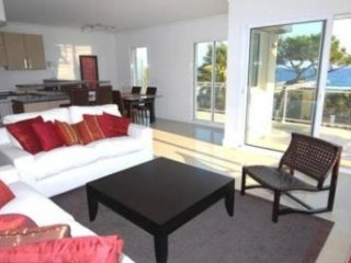 Lovely 2 Bedroom French Riviera Rental, Royal Palm 217