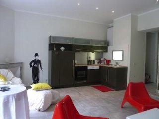 Modern two bedroom apartment in Cannes just a short walk to the Palais.