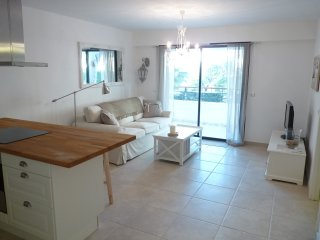 Elegant two bedroom accommodation with modern design and terrace. Close to