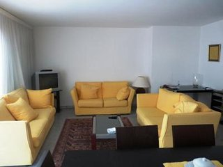 Cannes center, two bedrooms, two bathrooms, sunny terrace, next to La Croisette.