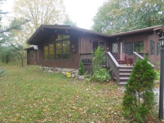 4 season- 'Preece's Point' on the Upper Rideau - Vacation Rental Listing Details