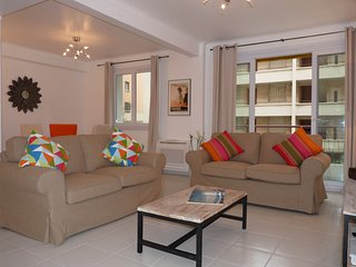 Apartment 82, Superb 2 Bedroom Flat with Terrace, Just off the Croisette