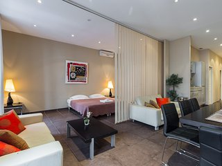 Large 3 bedroomed 4 bathroom Cannes apartment a stone's throw from the Palais.