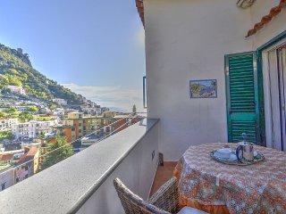 Amalfi Villa Sleeps 3 with Air Con - 5487042